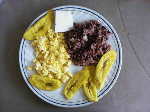 """Nicaraguaans ontbijt: """"Gallo pinto"""""""