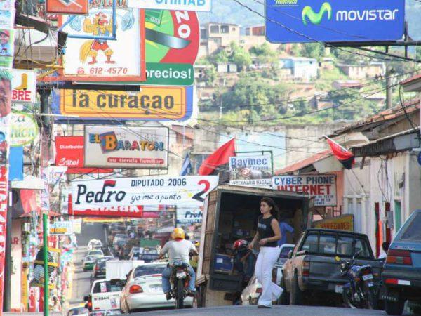 Een straat in hoofdstad Managua