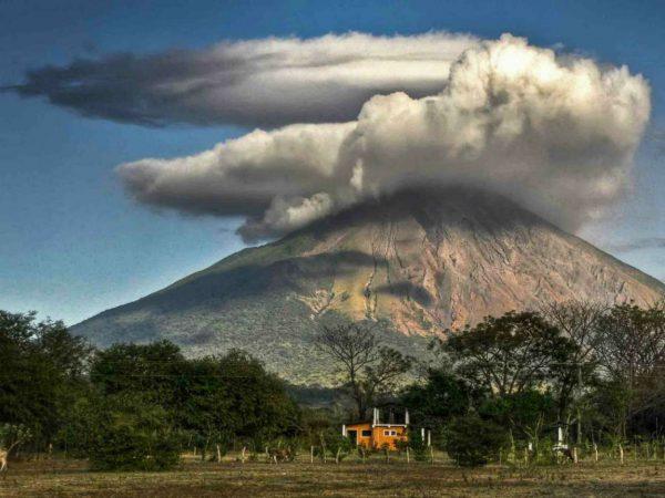 De vulkaan 'Concepción'